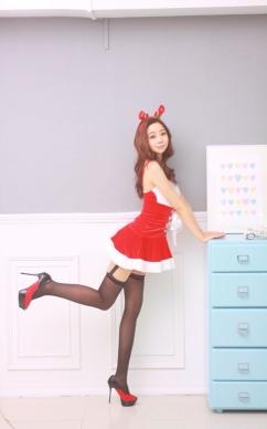 [SW포토] 유슬아 '가터벨트 스타킹, 섹시 산타'