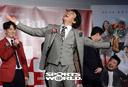 [SW포토]김인권,'꽃다발 세리머니'