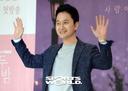 [SW포토] 배우 장현성, '열두밤' 게스트 하우스 주인 열연