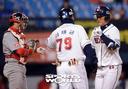 [SW포토]두산 백민기,'역전 솔로홈런'