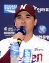 [SW포토]넥센 장정석 감독,'브리검이 선발'