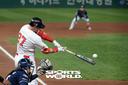 [SW포토]SK 로맥,'홈런공장 홈런포 가동'