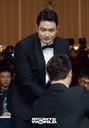 [Sw포토]박병호에게 축하받는 두산 김재환