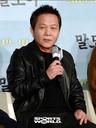 [SW포토] 배우 우현, '문턱을 넘으니 따듯함이 밀려온다'