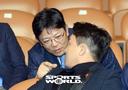[SW포토]양상문 감독-손아섭,'소곤 소곤'