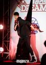 [SW포토] 댄스와 함께 코트입장하는 김종규