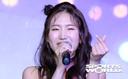 [SW포토] 신인 트로트 가수 엄소영의 사랑의 하트
