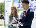 [SW포토] 가수 엔씨아, 즐거운 마음으로 위촉식 참석