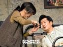[SW포토] 진통제 먹는 김상중