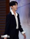 [SW포토] 무대입장하는 배우 이지훈