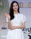 [SW포토] 배우 박지현, 시원한 웃음으로 손인사