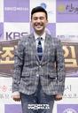 [SW포토]김선근 아나운서,'포토월 어색해요'