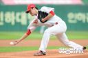 [SW포토] 박종훈, 팀 시즌 70승을 향한 역투