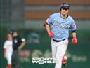 [SW포토] 롯데 채태인, 5회 솔로 홈런 1-0 리드