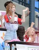 [SW포토]LG 파이팅!, 걸그룹 있지