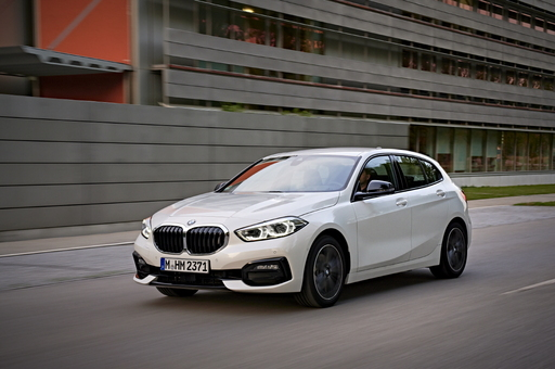 BMW 뉴 1시리즈, 화려한 기본 옵션의 향연…뭐가 좋아졌나?